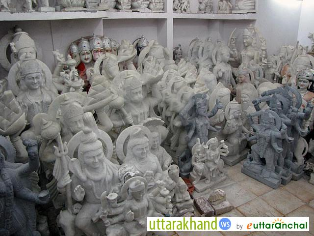 Sculpture shop in Haridwar